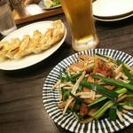 92448667 - 「生ビールセット」生中、餃子一皿、レバニラ炒め♪