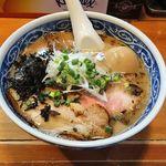 愚直 - 料理写真:愚直(とんこつラーメン650円+味玉100円〉