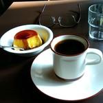 92454502 - プリンとコーヒー