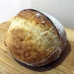 ラフォレ・エ・ラターブル - クープ あたためると小麦のいいかおり。パリッ&むちっ