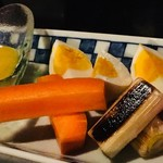 猿のしっぽ - 玉子と野菜のピクルス