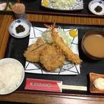 とんかつ棹 - 料理写真:ひれかつ定食 950円 TP大海老フライ 580円