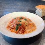 92482060 - モッツァレラチーズとトマトソースのパスタ