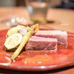 クインディ - 料理写真:フランス ビゴール豚 Arosto