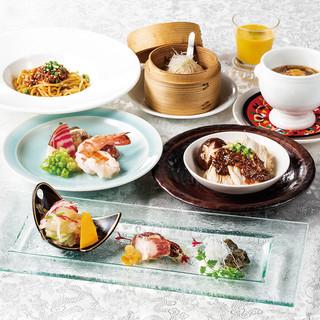 様々なご宴席に!季節の味覚を味わえる贅沢な宴会コースが充実