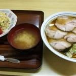 石田屋 そば店 - 料理写真:お腹が鳴るフォルム(*´∀`)♪