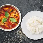 季節野菜とタイハーブのスパイシーカレー