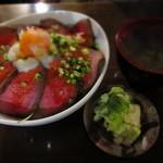 万福食堂 - ローストビーフ丼 972円