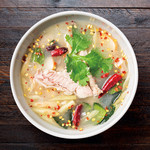 『Sサイズ』鶏肉のスパイシーサワースープ