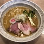MENYA BIBIRI - 魚介鶏そば醤油780円