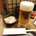 伊達 - 生ビール500円とお通し(大根おろし)380円