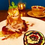CAFE+BAR shya-la-la - 紫いもとキャラメルシナモンのフレンチトースト
