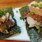 夏風 - 和牛肉とアン肝の握ら寿司