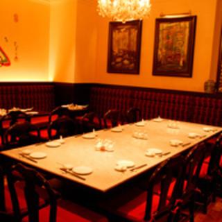 大きなテーブルもあります!!御宴会や突発的な2次会にもぜひ!
