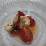 Braceria la AOSA - フルーツトマトとモッツァレラチーズのカプレーゼ
