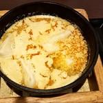 台湾小籠包 - 鉄鍋小籠餃子担々スープ:580円+税