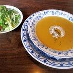 パピヨン - 料理写真:定食のスープ&サラダ!