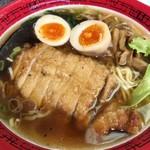 92517177 - 「特選排骨麺」(950円)+「味玉」(100円)