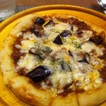 トラットリアクーポラ - 日替わりピザ(ナスとミートソース)