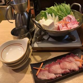 2018年秋の新メニュー。豚と海鮮の和風鍋