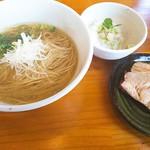 喜元門 - 限定、鮮魚系真鯛出汁(850円)チャーは直火焼き。