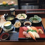 建寿し - 料理写真:寿司定食1400円!