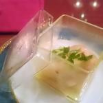 レヴァーロ - 桃とホタテのサラダ