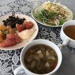 92537790 - 野菜スープとレモンスープも準備して ビュッフェメニュー完了w