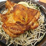 ガスト - 料理写真:チリテキ・ピリ辛スパイス焼き