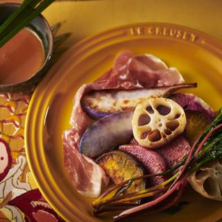 秋野菜の瞬間蒸しレモングラスソース