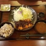 マ・メゾンのとんかつ - 「味噌カツランチ ロース (1028円)」