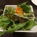 Wainya - ランチのサラダ