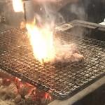 肉蔵でーぶ - 鳥の炭火焼