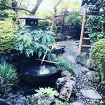 あつた蓬莱軒 - お庭