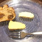 アプランドル - ブリードモー(白カビタイプ)、エポワス(ウオッシュタイプ)のチーズ