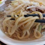 92559543 - 織蔵ラーメンの麺