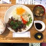 黒べぇさん - 料理写真:サイコロ300gセット1600円(税別)
