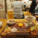 博多筑紫口 肉寿司 - 馬肉ユッケ、肉塩辛、レバトロ、梅水晶、肉チャンジャ