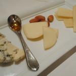 バレーナ - チーズ盛り合せ