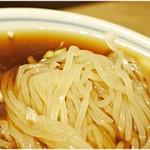すごい煮干しラーメン凪 - 冷やし用の多加水麺。