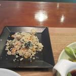 ヘルスワークス - 卵か豆がメインの小鉢から選んだのはほうれん草とひじきの卯の花。  鉄分たっぷりなヘルシー小鉢です。