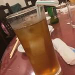 横浜大飯店 - 誰かのウーロンハイ?