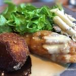 92590031 - 鶏ササミの大葉フリット&スイートチリマヨネーズソースとポルチーニ茸のクリームコロッケ