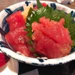 三陸海鮮丼 どん辰 - 料理写真:生まぐろ丼(ご飯少なめ)