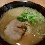 麺や極 -    博多とんこつ 670円