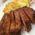 92597686 - ガリシア栗豚ロース肉の鉄板焼