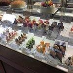 ジャルダン洋菓子店 - 料理写真:ショーケース