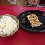 はかたや - ライス&餃子4個(ラーメン定食)