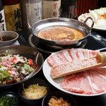 esora - お店自慢のカレー鍋!!お肉や野菜をたっぷりと入れてお召し上がり下さい!!
