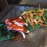 壱語屋  - タコとイカのフェ